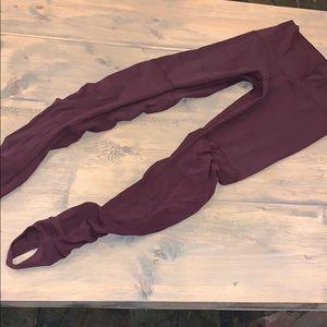 Lululemon athletica stirrup maroon leggings